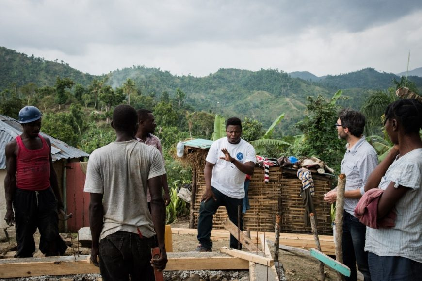 Montage d'un projet d'habitation à Haiti