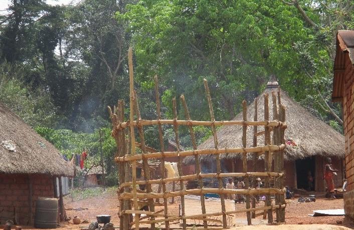 Barrière construite autour du puits traditionnel de Christophe dans le cadre de l'agenda PAF – Photo prise par ACTED, 2019, projet financé par le Fonds Humanitaire